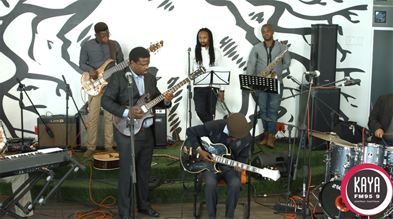 Billy Monama & The Grazroots Project Performs Woza Mtwana Live and Unplugged On Kaya FM
