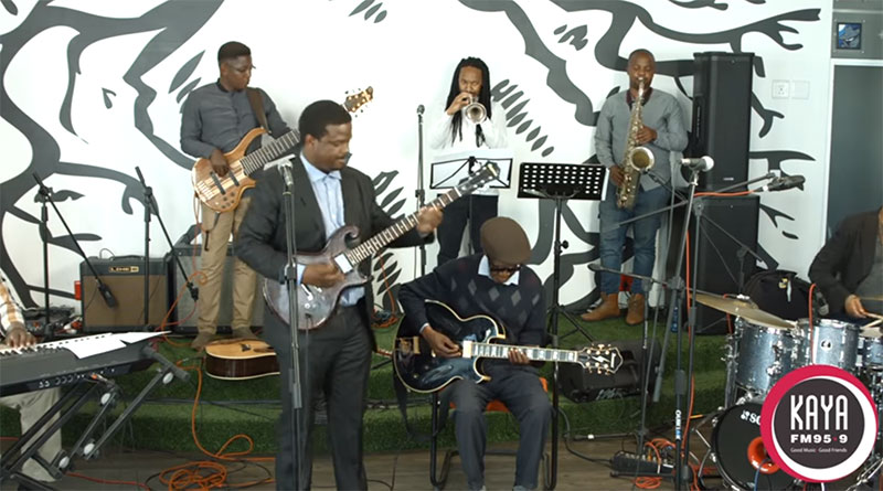 Billy Monama & The Grazroots Project Performs African Sun Live and Unplugged On Kaya FM